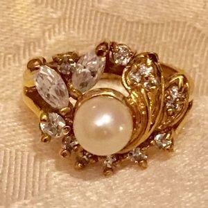 Vintage Gold-tone Faux Pearl & Rhinestone Ring